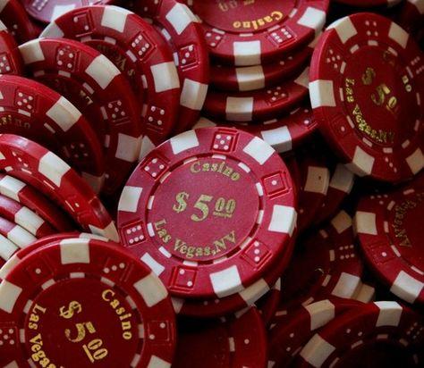 สมัครคาสิโนออนไลน์มีหลายเกมให้เล่น  มอบให้เครดิตฟรี 100 บาท
